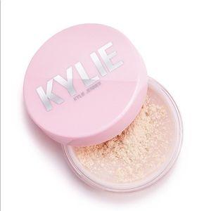 Kylie Translucent Setting Powder